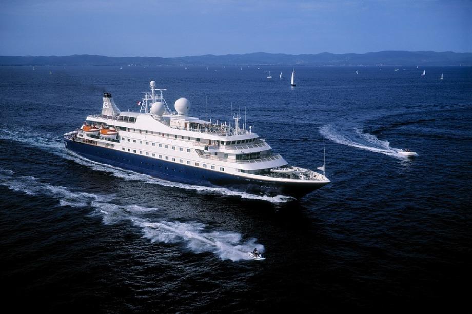 cruise-ship-1111541_960_720