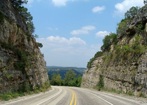 https://commons.wikimedia.org/wiki/File:Texas_Hill_Country_187N-4.JPG