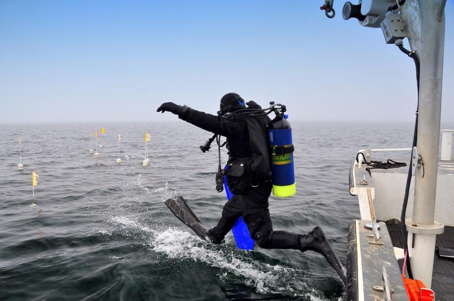 scuba-diver-1237237_960_720