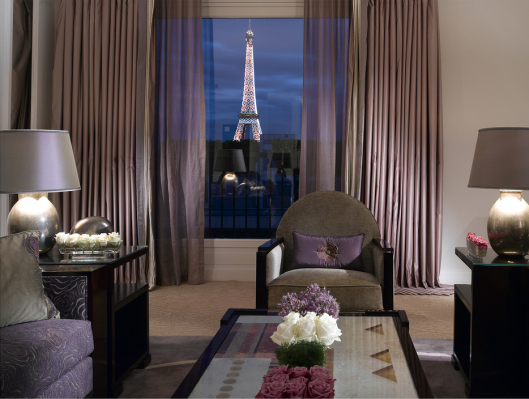 au-plaza-athenee-terrace-eiffel-suite-bedroom2.jpg