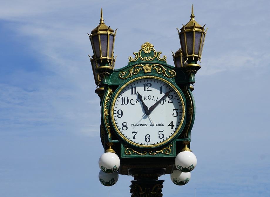 clock-1081437_960_720