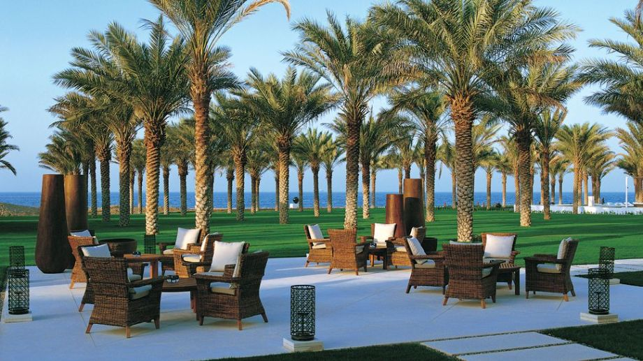 The-Chedi-Muscat-palm-trees.jpg